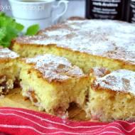 Szybkie ciasto z owocami na maślance (bez miksera)