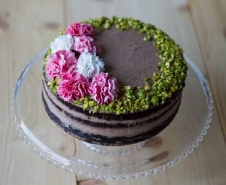 Ciasto czekoladowe z kremem czekoladowym i pistacjami