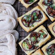 Mini tarty z kurkami na cieście francuskim