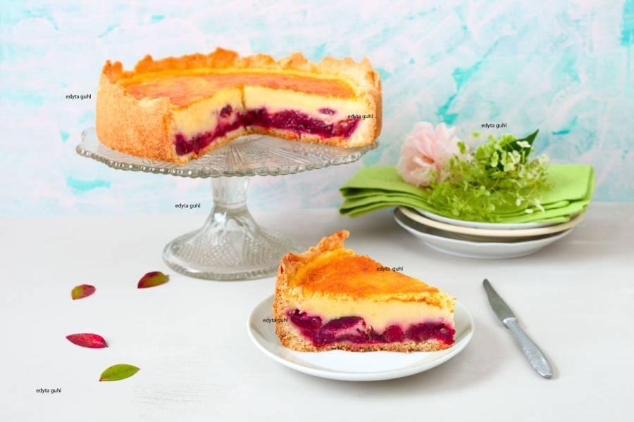 Ciasto ze śliwkami i kremową polewą
