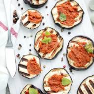 Grillowany bakłażan z pikantną pastą z makreli