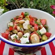 Sałatka obiadowa z fasoli Jaś z serem feta
