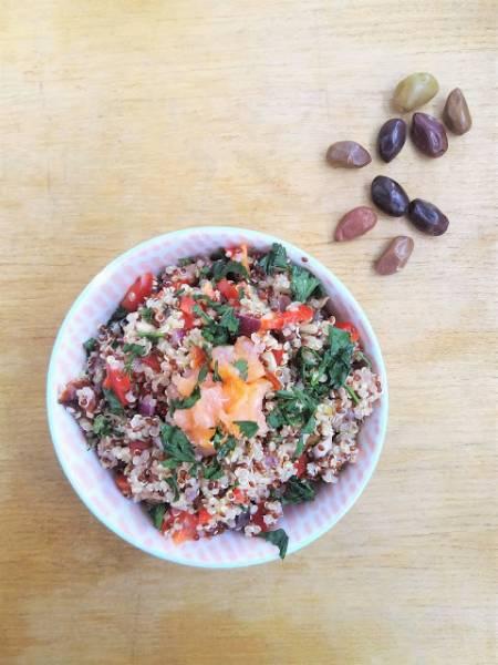 Sałatka z komosą i wędzonym łososiem / Quinoa and Smoked Salmon Salad