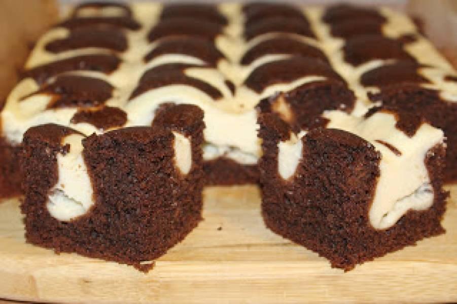 Poduszkowiec czyli ciasto czekoladowe z serem
