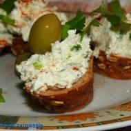 Pasta z oliwkami i twarogiem