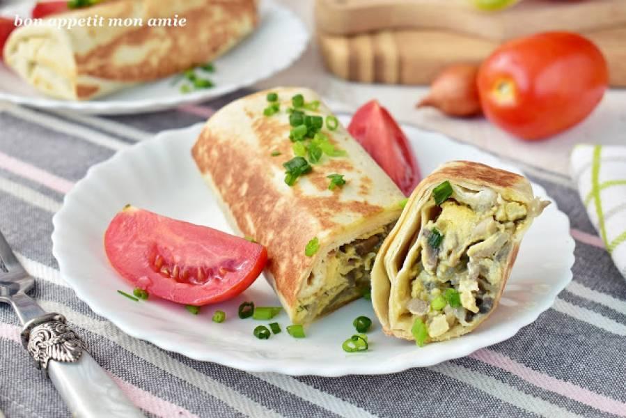 Śniadaniowe tortille z jajecznym farszem