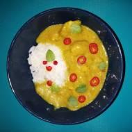 Żółte curry z kurczakiem i mango