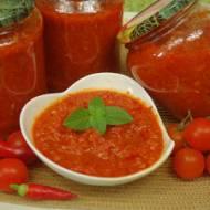 Sos pomidorowy z warzywami na zimę