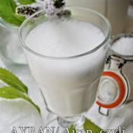 Ayran . Napój z jogurtu i wody