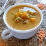 Zupa z soczewicy, batatów i pomidorów