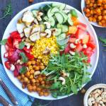 Kolorowa sałatka bowl – przepis krok po kroku