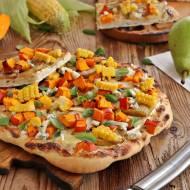 Pizza z gruszką dynią i kukurydzą