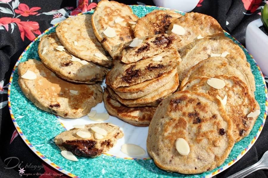 Jaglane placuszki z otrębami, masłem orzechowym i czekoladą