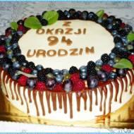 Tort urodzinowy z okazji urodzin.