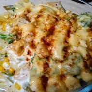Zapiekanka makaronowa z kurczakiem i brokułami w kremowym sosie