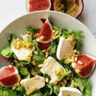Sałatka z figami i pikantnym serem