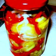 Sałatka z ogórków, papryki i cebuli