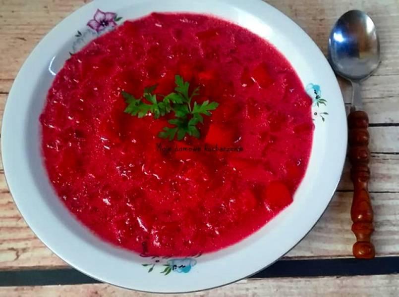 Barszcz czerwony z ziemniakmi