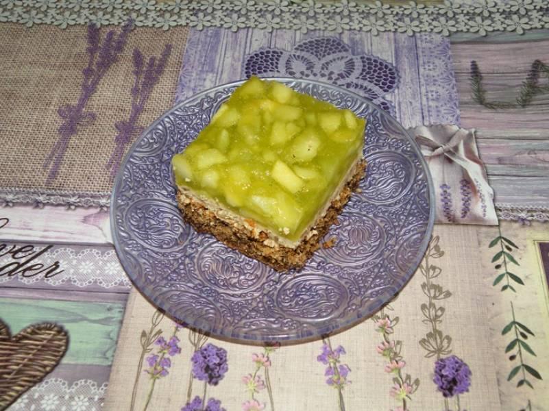 Ciasto orzechowe z musem jabłkowym