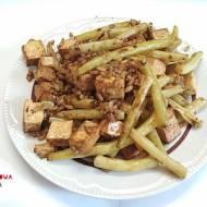 Tofu z ryżem, fasolką w sosie sojowym