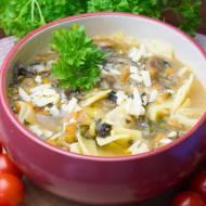 Zupa pieczarkowa z łazankami i serem