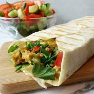 Tortilla z jajecznicą i warzywami