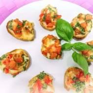 Bruschetta z pomidorami i świeżą bazylią