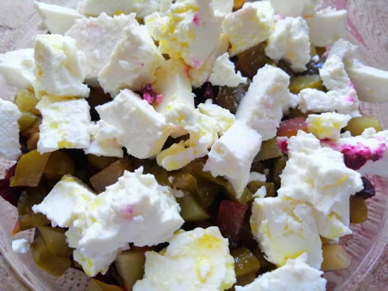 Sałatka z buraków, fasoli i sera feta