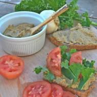 SMACZNA I ZDROWA PASTA KANAPKOWA (z pestek dyni i pomidorów)