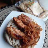 Polędwiczki z kurczaka w kapuście kiszonej