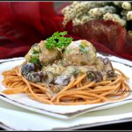 Spaghetti z pulpecikami i grzybami