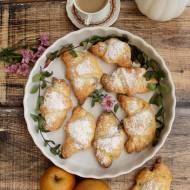 Waniliowo-serowe rogaliki z kajmakiem