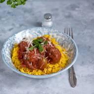 Pulpeciki w sosie pomidorowym z kaparami i oliwkami