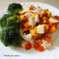 Ryż z kurczakiem, sosem pomidorowym i warzywami