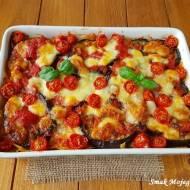 Zapiekanka makaronowa z bakłażanem, pomidorami i mozzarellą