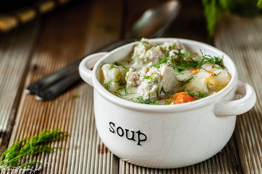 Zupa koperkowa z pulpetami