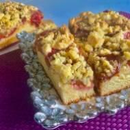 Maślane ciasto drożdżowe ze śliwkami