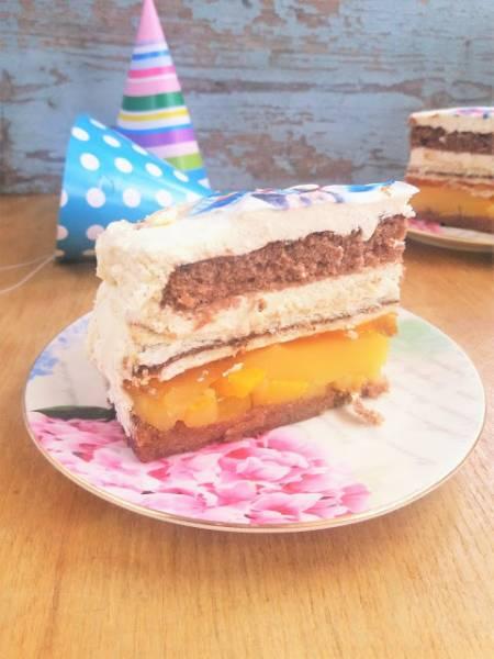 Pyszny tort z Nutellą i brzoskwiniami (prostokątny) / Delicious Nutella and Peach Birthday Cake (rectangle shape)