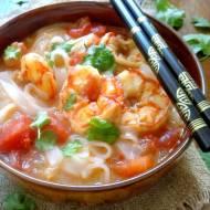 Zupa Tom Yum z krewetkami