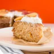 Kokosowe ciasto dyniowe z brzoskwiniami