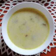 Polska - Mamina zupka z kaszą jaglaną i pieczarkami