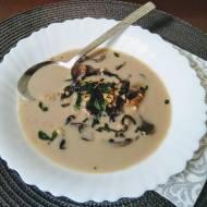 Zupa grzybowa z kaszą krakowską