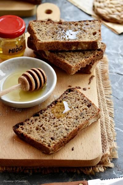 Chleb miodowy (na zakwasie)