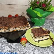Szybkie ciasto z kremem, owocami, kajmakiem bez pieczenia
