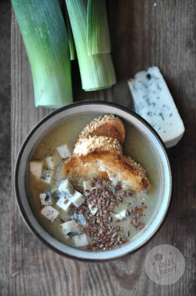 Krem z pora z grzankami i serem pleśniowym