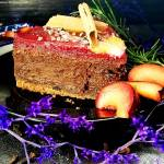 Sernik czekoladowo- korzenny z musem śliwkowym