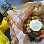 Ryba pieczona w papilotach z warzywami