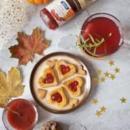 Ciasteczka z truskawkowym dżemem i aromatyczną korzenną nutą