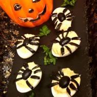 Faszerowane jajka pająki  na Halloween