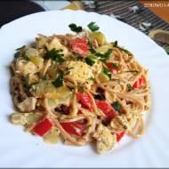 Spaghetti w sosie śmietanowo serowym